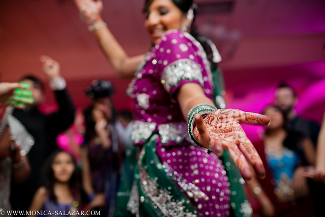 Best Dallas Indian Wedding Photography From Hindu Reception In Irving Texas By Photographer