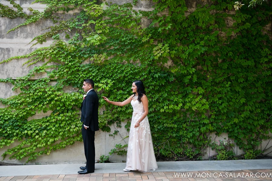 First look wedding photos at dallas museum of art for First time wedding photographer
