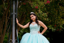 quinceanera portraits at the fort worth botanic gardens