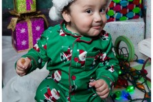 christmas portraits with santa toy shop backdrop and gifts