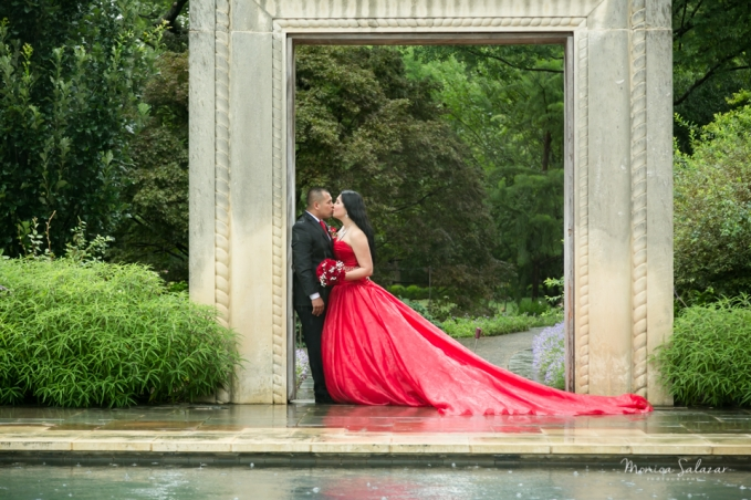 elopement in dallas texas at the dallas arboretum