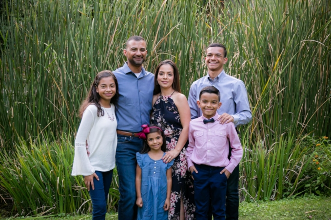 family mini session christmas giveaway in dallas fort worth texas