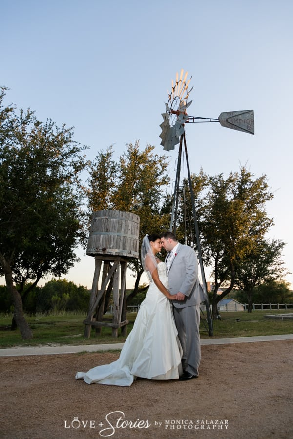 Austin TX wedding photography at Star Hill Ranch in the Texas Hill Country by Monica Salazar Photography